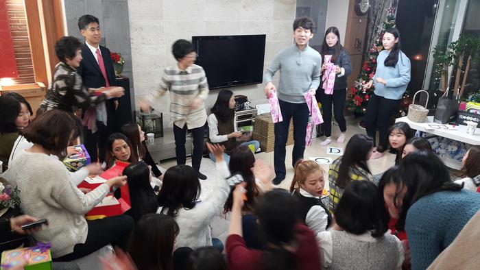 대전치과 즐거운치과 송년회 8.jpg